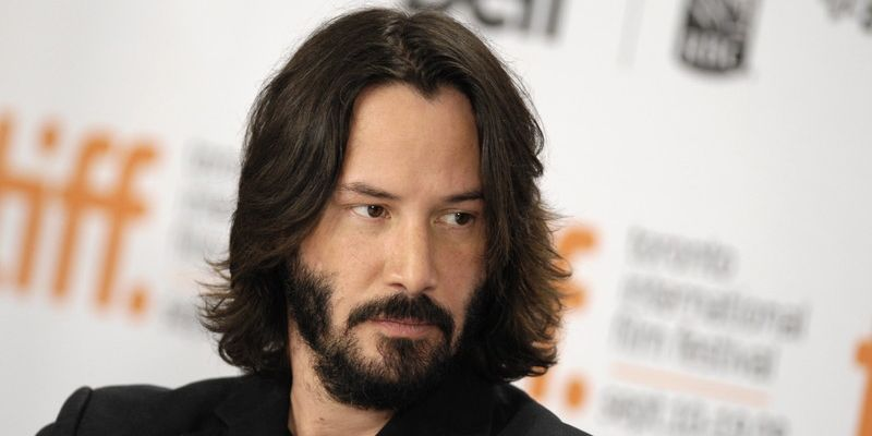 epa01862659 Canadian actor Keanu Reeves talks about his film 'The Private Lives of Pippa Lee' during a press conference at the 34th annual Toronto International Film Festival in Toronto, Canada, on 15 September 2009. EPA/WARREN TODA